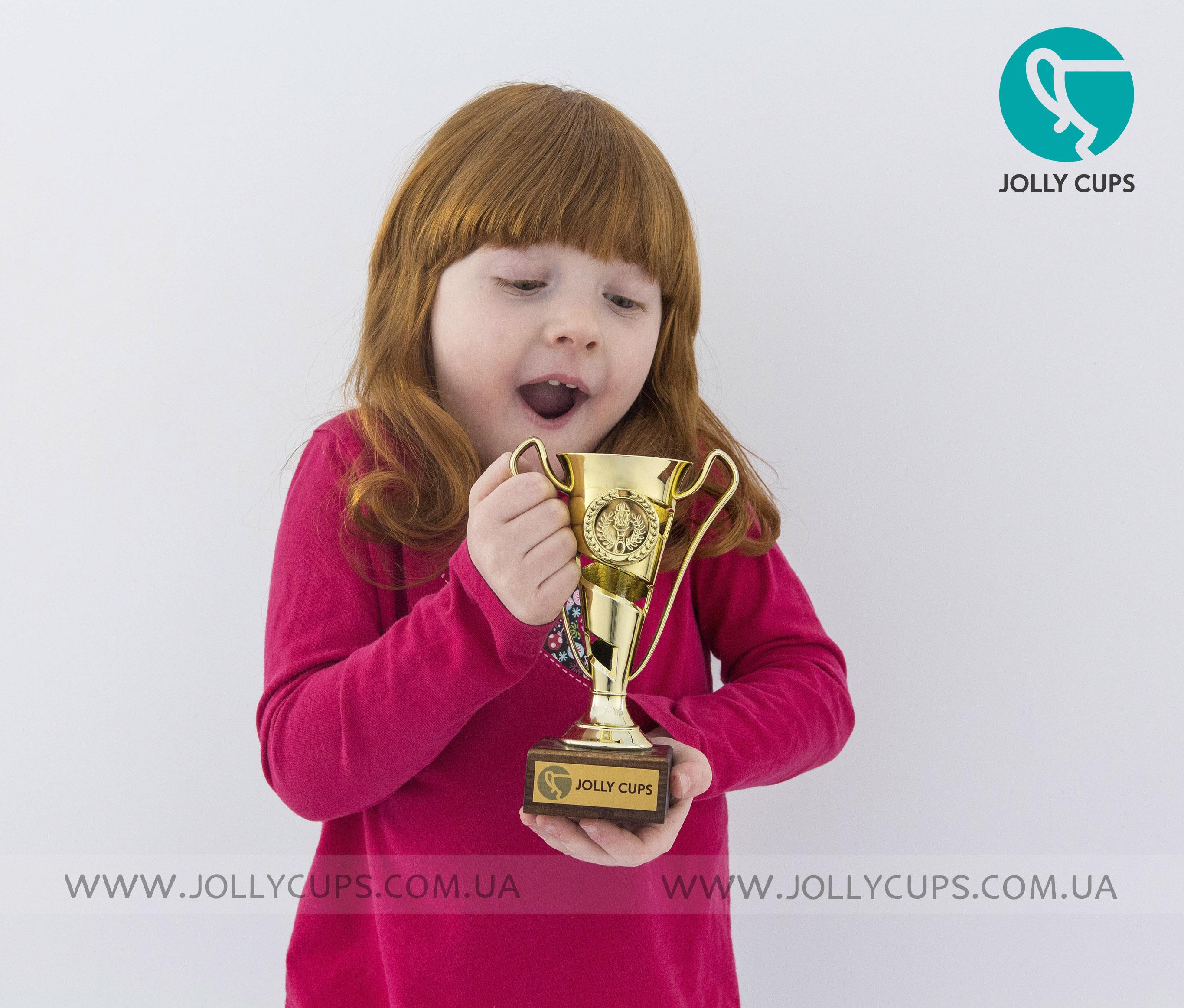 Купити кубки нагороди для дітей Кіркель